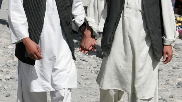 Họ sẽ săn lùng chúng tôi: Cơn ác mộng có thật của người đồng tính tại Afghanistan dưới thời Taliban - Ảnh 5.