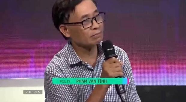 Gameshow Vua Tiếng Việt gây tranh cãi khi giải thích: Tính từ bổ ngữ cho động từ - Ảnh 2.