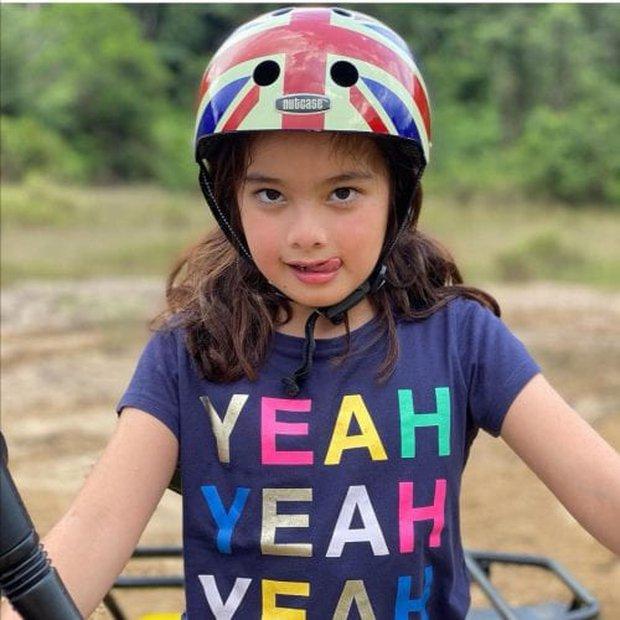 Tiểu mỹ nhân của Hoàng gia Malaysia: Công chúa sinh ra trên núi vàng, gây sốt với loạt biểu cảm khó ở và càng lớn càng xinh - Ảnh 4.