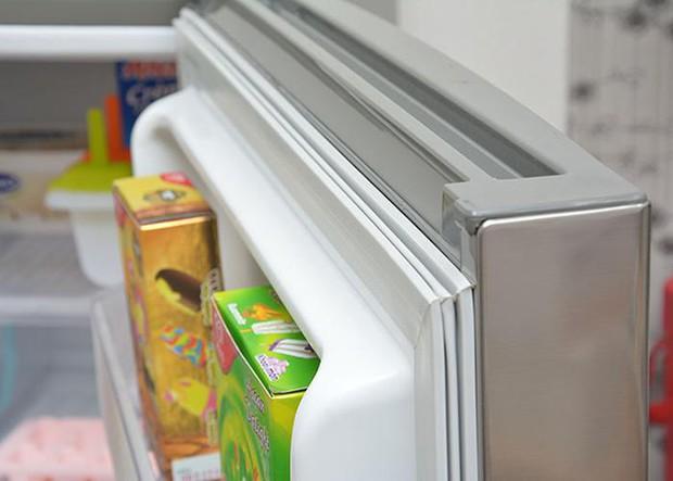 Hiến kế vệ sinh tủ lạnh cực có tâm, bà nội trợ lại khiến hội chị em hoang mang: Làm theo dễ hỏng tủ như chơi - Ảnh 5.