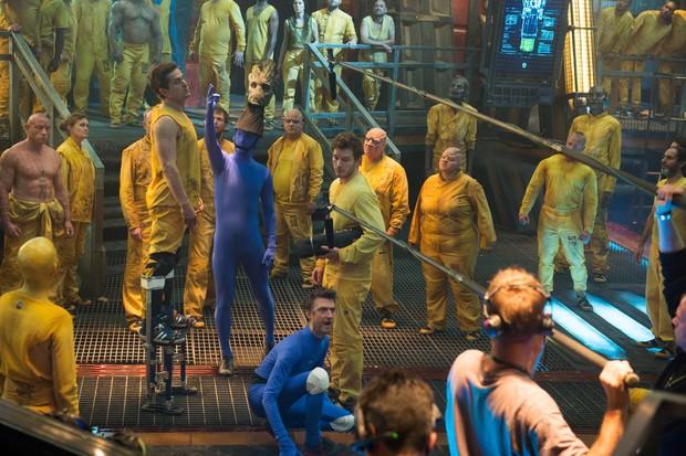 Thì ra chàng Groot trong Marvel có thật ở hậu trường nhưng trông quá sợ, dàn diễn viên nhìn mà không sang chấn thì quá nể! - Ảnh 2.