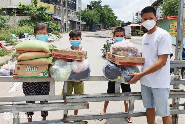 Ông chủ trẻ đóng cửa homestay, rời vùng xanh lên Sài Gòn vác bình oxy xuyên đêm để cấp cứu F0 - Ảnh 3.