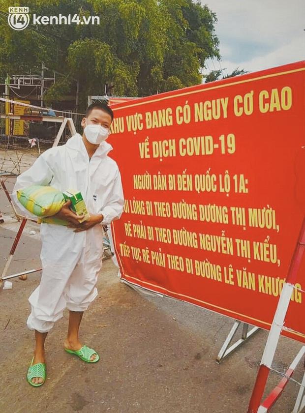 Ông chủ trẻ đóng cửa homestay, rời vùng xanh lên Sài Gòn vác bình oxy xuyên đêm để cấp cứu F0 - Ảnh 9.