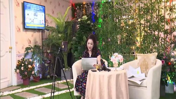 Bà Phương Hằng cảm ơn Vietcombank bởi văn bản tạm khóa báo có, khẳng định cả ngân hàng và Thủy Tiên đều hợp pháp - Ảnh 2.