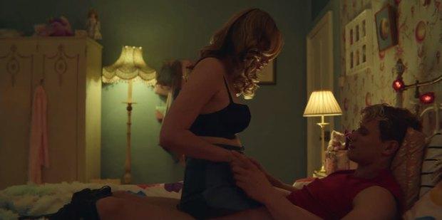 9 cảnh nóng gây sốc nhất Sex Education 3 mùa: Yêu đương tới gãy tay còn chưa câm nín bằng lúc hở 100%! - Ảnh 4.