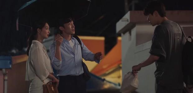 Shin Min Ah rình hôn lén Kim Seon Ho ở tập 8, kết quả thế nào mà khiến fan Hometown Cha-Cha-Cha tiếc ngẩn ngơ - Ảnh 2.