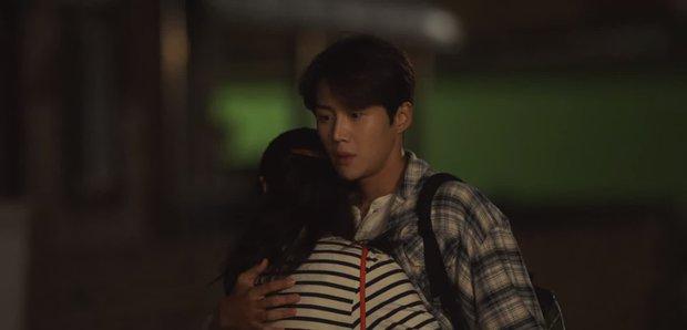Shin Min Ah rình hôn lén Kim Seon Ho ở tập 8, kết quả thế nào mà khiến fan Hometown Cha-Cha-Cha tiếc ngẩn ngơ - Ảnh 4.