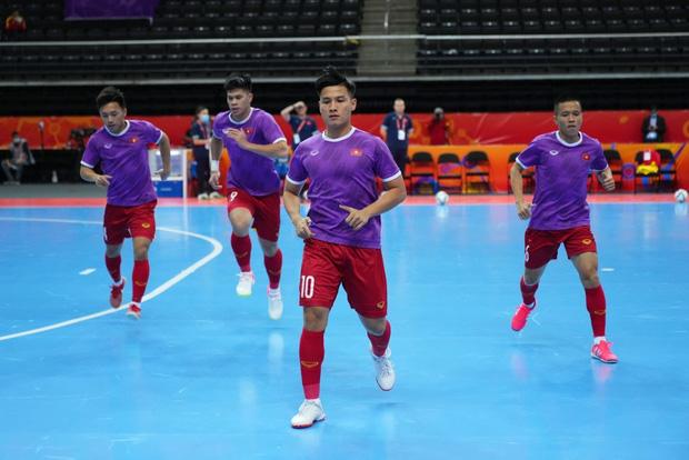 Quả cảm cầm hòa đội bóng hàng đầu thế giới, tuyển futsal Việt Nam hiên ngang vào vòng 1/8 World Cup 2021 - Ảnh 14.