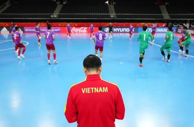 Quả cảm cầm hòa đội bóng hàng đầu thế giới, tuyển futsal Việt Nam hiên ngang vào vòng 1/8 World Cup 2021 - Ảnh 13.