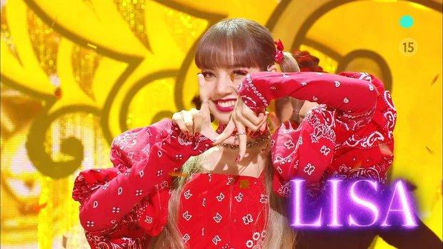 Sân khấu debut bùng nổ của Lisa tại Hàn: Diện outfit gây bão 1 thời, trình diễn tự tin còn có nụ cười ending gây thương nhớ! - Ảnh 7.