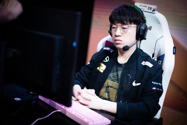 Đối đầu TheShy trong rank, Xiaohu lên tiếng chê bai tuyển thủ IG mù quáng khi chọn Fiora và cái kết ngập hành - Ảnh 1.