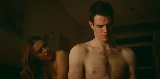 9 cảnh nóng gây sốc nhất Sex Education 3 mùa: Yêu đương tới gãy tay còn chưa câm nín bằng lúc hở 100%! - Ảnh 2.