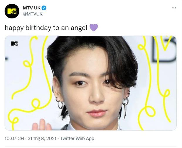 Nam idol Kpop gây choáng với kỷ lục chưa từng có trong lịch sử: 334 tài khoản tích xanh chúc sinh nhật, cả MTV, BBC, Elle đều có mặt - Ảnh 3.