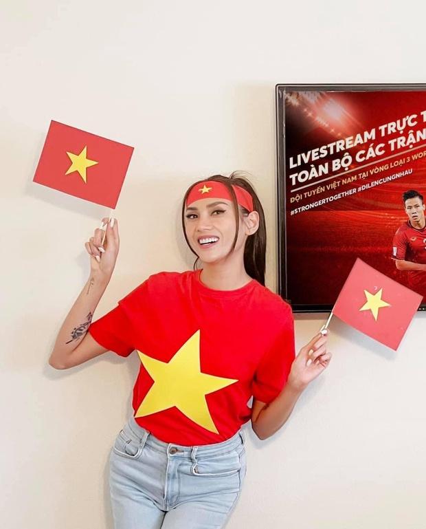 Cả showbiz Việt tiếp lửa cho tuyển Việt Nam trước giờ G: Anh Đức chuẩn bị mồi ngon sẵn sàng, hội Hoa hậu chiếm spotlight - Ảnh 8.