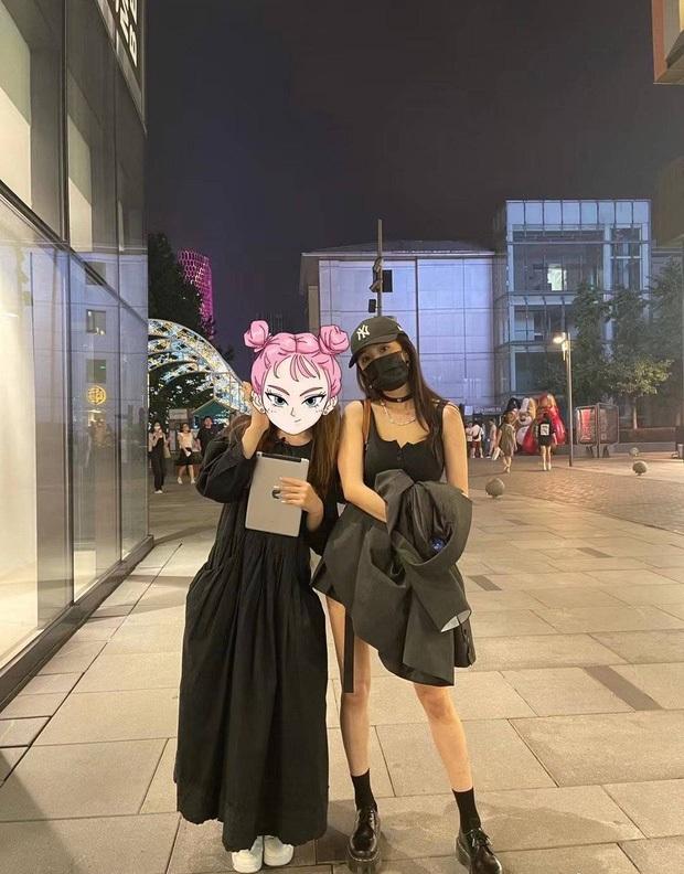Dương Mịch bung xoã hết nấc hậu chia tay tình trẻ: Ngày càng sexy táo bạo, vung tiền mua sắm khiến Cnet hết hồn - Ảnh 13.