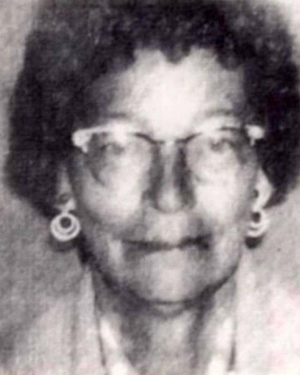 Người phụ nữ mất tích 43 năm bất ngờ được tìm thấy dưới đáy sông cùng chiếc ô tô, cảnh tượng khiến thợ lặn cũng khiếp sợ - Ảnh 1.