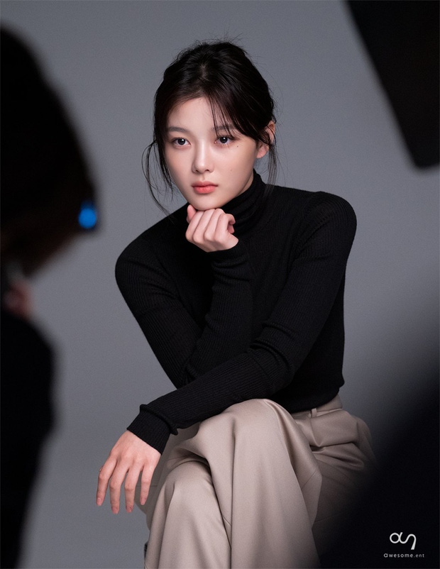 Nữ thần cổ trang Kim Yoo Jung: Dư sắc thừa tài nhưng toàn nhận phim flop, từng khốn khổ vì scandal ứng xử - Ảnh 2.