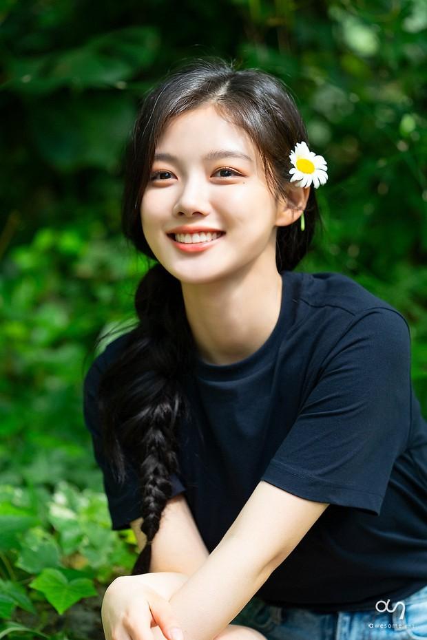 Nữ thần cổ trang Kim Yoo Jung: Dư sắc thừa tài nhưng toàn nhận phim flop, từng khốn khổ vì scandal ứng xử - Ảnh 17.