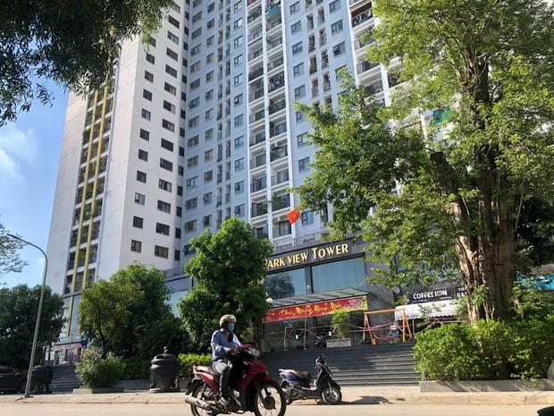 Hà Nội: Người phụ nữ ở nhà 2 tháng dương tính không rõ nguồn lây, phong toả chung cư 1.200 dân - Ảnh 1.