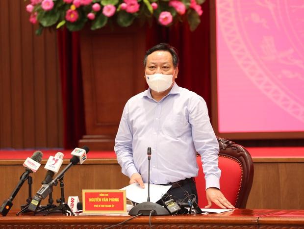 Phó Bí thư Hà Nội: Chưa thể lạc quan có thể mở cửa ngay trở lại cuộc sống bình thường - Ảnh 2.