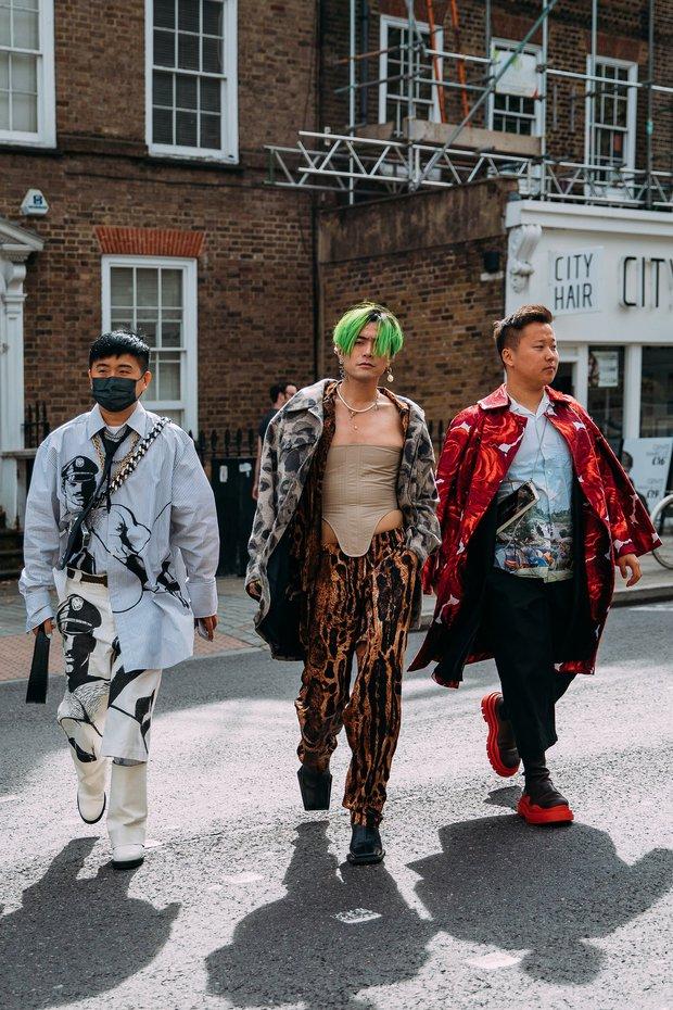 Dân tình bung lụa tại London Fashion Week: Khả năng chơi màu như phù thủy, độ chiến lên level sau 1 năm im ắng - Ảnh 5.