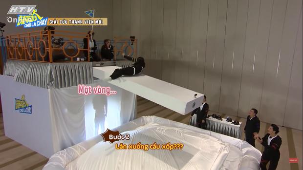 Jun Phạm tấu hài tại Running Man Việt tập 1: Chê Ngô Kiến Huy đã miệng rồi tự đi vào vết xe đổ - Ảnh 9.