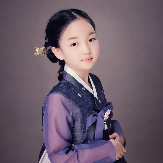 Sao nhí giống hệt Kim Yoo Jung sau 6 năm: Nhan sắc, sự nghiệp đều không có cửa với đàn chị? - Ảnh 11.