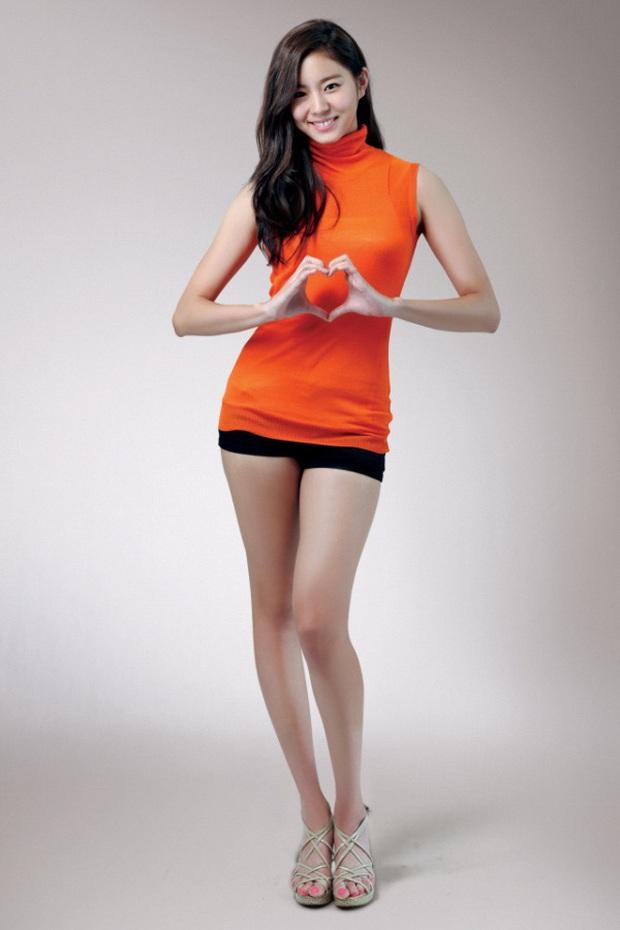 Tình trạng body của nữ thần Kpop này thật khó lường: Từ cặp đùi mật ong ai cũng mê đến hụt cân nghiêm trọng rồi lại tăng cân gây sốc - Ảnh 8.