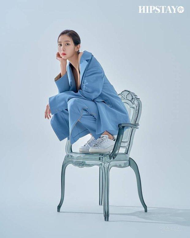 Tình trạng body của nữ thần Kpop này thật khó lường: Từ cặp đùi mật ong ai cũng mê đến hụt cân nghiêm trọng rồi lại tăng cân gây sốc - Ảnh 20.