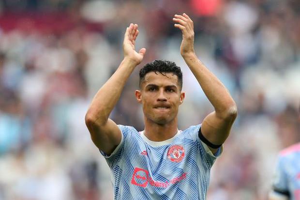 Tiết lộ mới: Ronaldo từng bị lợi dụng lòng tin, lừa mất 7,5 tỷ đồng - Ảnh 1.