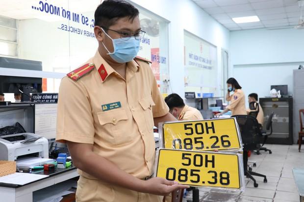 Đề xuất tăng mức xử phạt nhiều lỗi vi phạm giao thông đường bộ đến 10 lần - Ảnh 1.