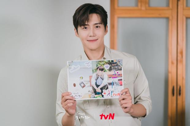 Kim Seon Ho át vía dàn cast Hospital Playlist ở BXH diễn viên tháng 9, Shin Min Ah cũng theo sát crush luôn - Ảnh 6.
