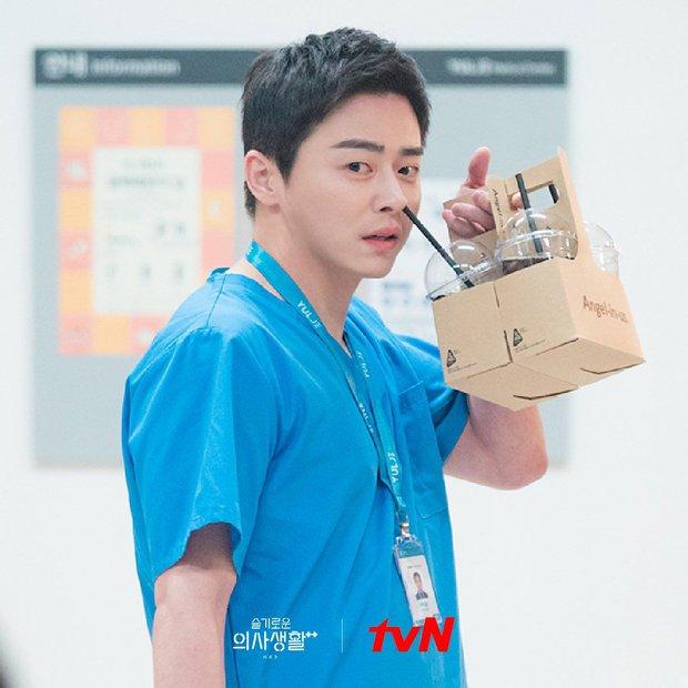 Kim Seon Ho át vía dàn cast Hospital Playlist ở BXH diễn viên tháng 9, Shin Min Ah cũng theo sát crush luôn - Ảnh 7.