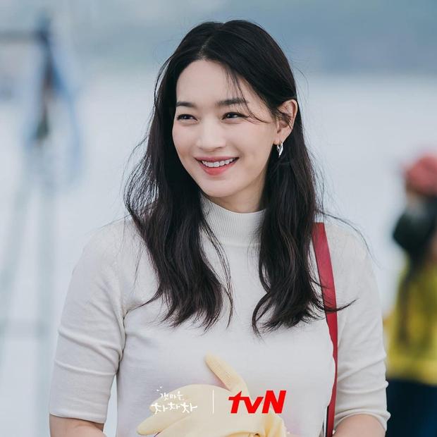 Kim Seon Ho át vía dàn cast Hospital Playlist ở BXH diễn viên tháng 9, Shin Min Ah cũng theo sát crush luôn - Ảnh 8.