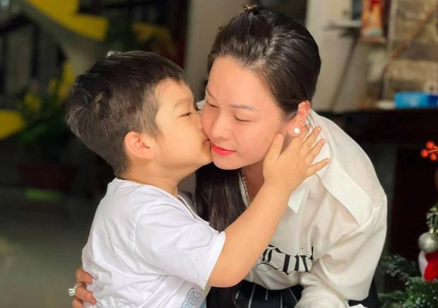 Nhật Kim Anh rơi nước mắt khi không thể đón con trai về ở cùng dù thắng kiện chồng cũ, lý do vì sao? - Ảnh 6.