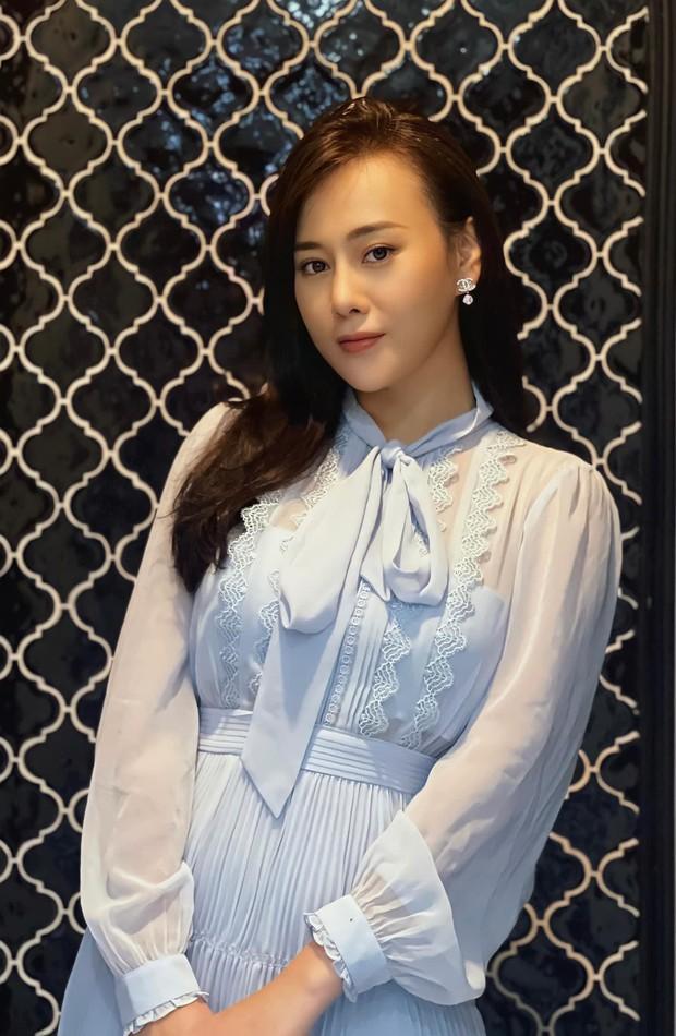 Phương Oanh khoe váy mới để gỡ gạc hình ảnh của Nam, netizen liên tưởng ngay đến Công nương Kate - Ảnh 2.