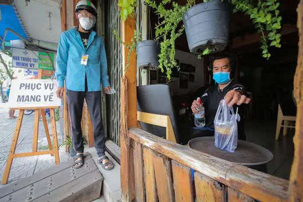 TP.HCM: Cơ sở kinh doanh ăn uống, thực phẩm muốn mở cửa phải bảo đảm 6 tiêu chí an toàn - Ảnh 1.