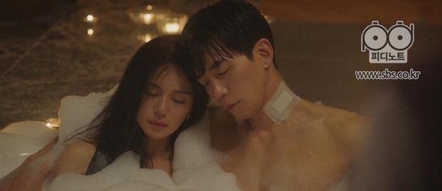 5 phim Hàn dính án phạt vì cảnh nóng, bạo lực dã man: Ji Chang Wook vừa nude 100% đã lập tức bị tuýt còi - Ảnh 6.