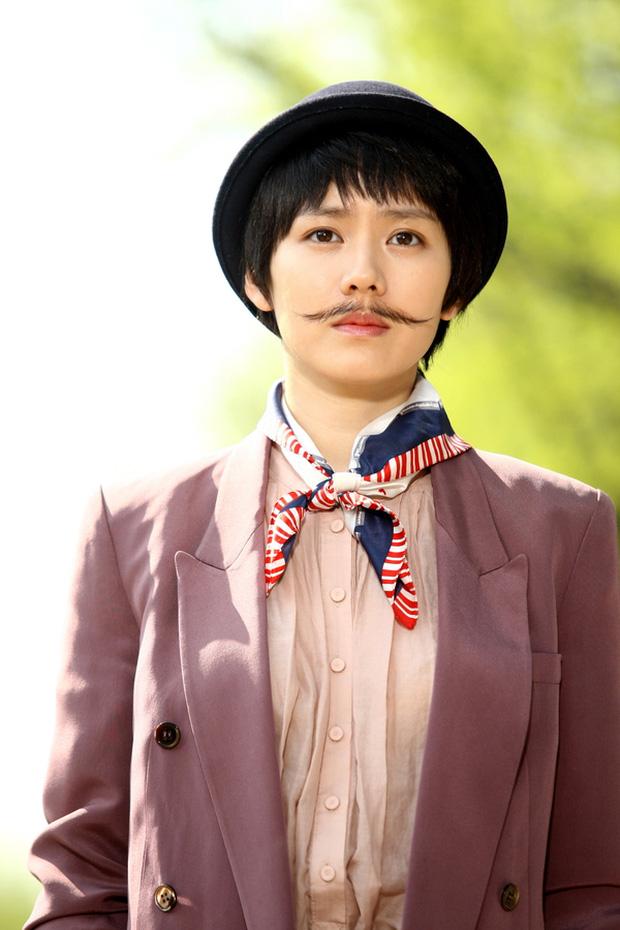 Hội mỹ nhân Hàn giả trai trên màn ảnh: Kim Yoo Jung lộ rõ lớp makeup, trùm cuối không ai làm lại luôn! - Ảnh 1.