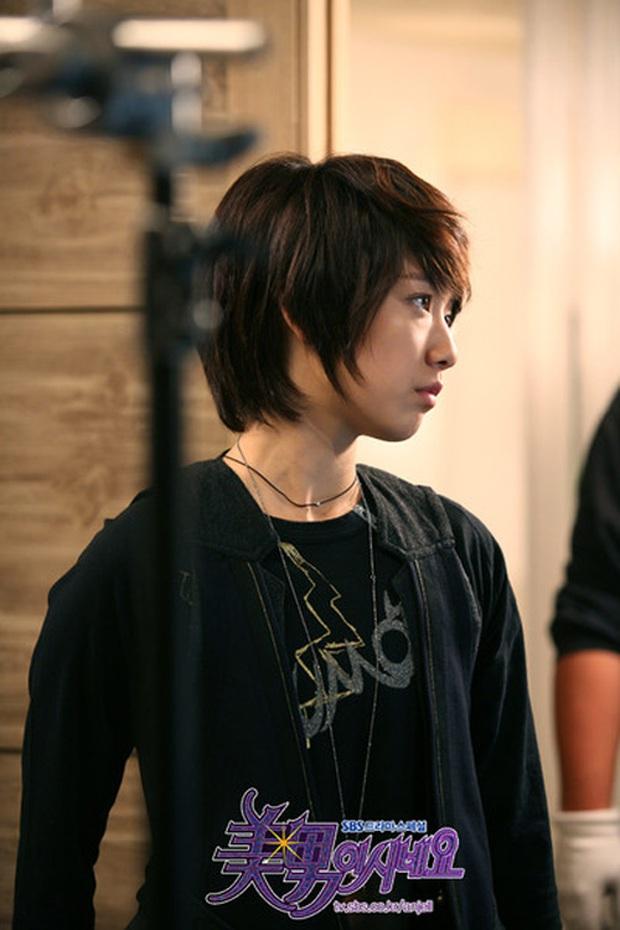 Hội mỹ nhân Hàn giả trai trên màn ảnh: Kim Yoo Jung lộ rõ lớp makeup, trùm cuối không ai làm lại luôn! - Ảnh 6.