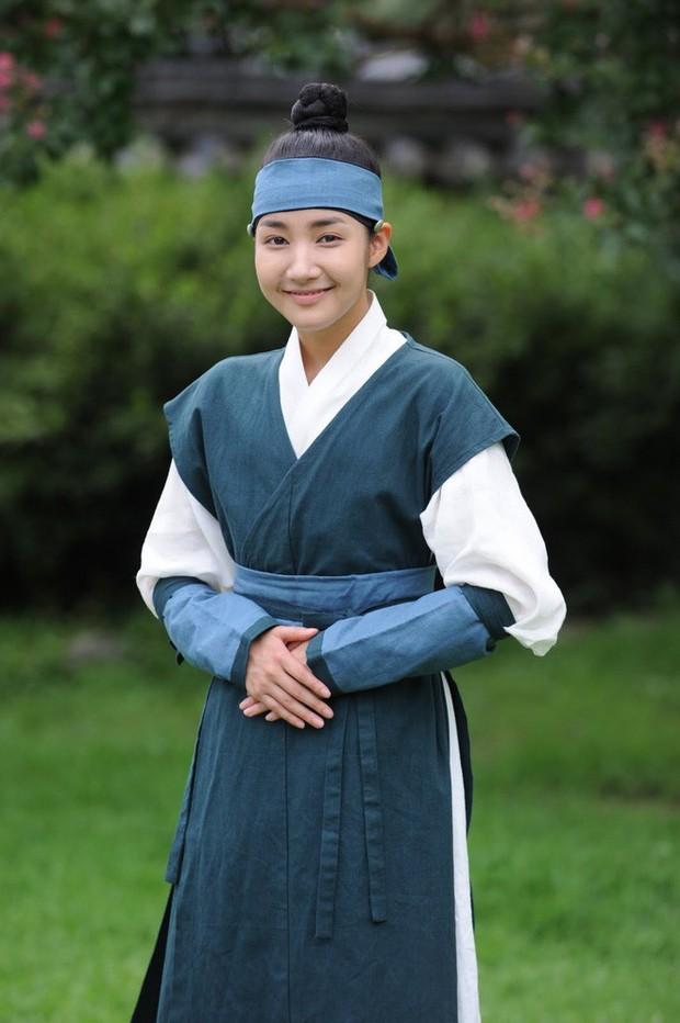 Hội mỹ nhân Hàn giả trai trên màn ảnh: Kim Yoo Jung lộ rõ lớp makeup, trùm cuối không ai làm lại luôn! - Ảnh 11.