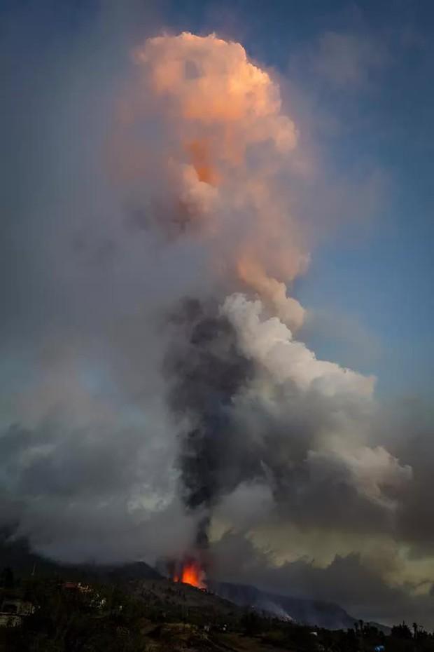 Núi lửa phun trào ở quần đảo Canaria (Tây Ban Nha), hàng nghìn người phải sơ tán - Ảnh 5.