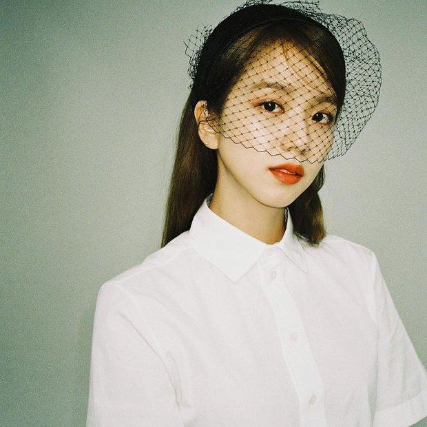 Jisoo (BLACKPINK) gây bão MXH chỉ với 1 bức ảnh: Danh xưng Hoa hậu Hàn Quốc đúng là không tự nhiên mà có! - Ảnh 2.