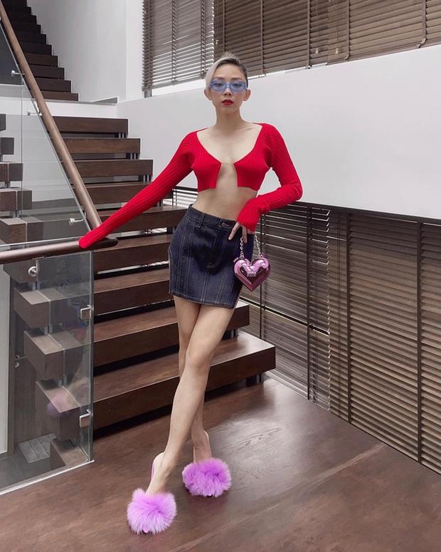 """Tóc Tiên và Cô Em Trendy đang lăng xê kiểu áo """"gợi đòn"""" nhìn mà chỉ sợ đứt - Ảnh 2."""