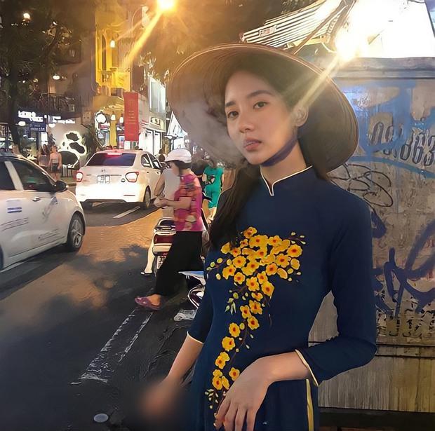 Sao ngoại mặc áo dài: Bắt vội T-ara và Angela Baby làm dâu Việt, ngoài pha mặc áo dài quên quần còn một mỹ nữ gây sốc với hành động giang hồ - Ảnh 10.