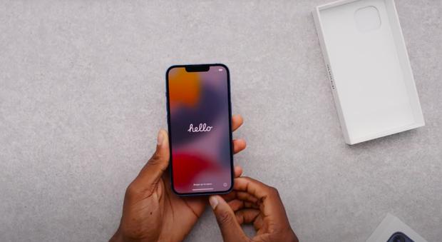 Video unbox cả 4 mẫu iPhone 13, màu xanh sierra nhận được mưa lời khen vì quá xuất sắc! - Ảnh 2.