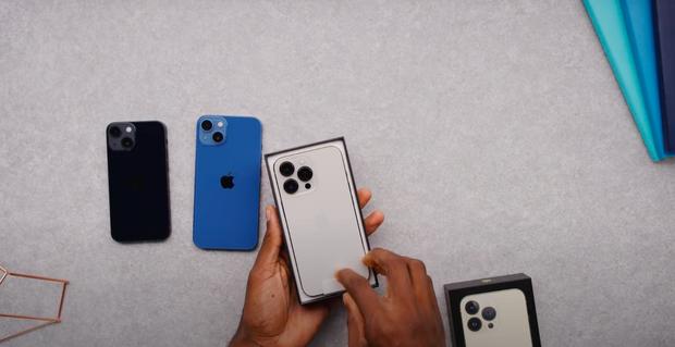 Video unbox cả 4 mẫu iPhone 13, màu xanh sierra nhận được mưa lời khen vì quá xuất sắc! - Ảnh 5.