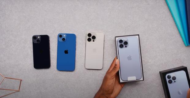 Video unbox cả 4 mẫu iPhone 13, màu xanh sierra nhận được mưa lời khen vì quá xuất sắc! - Ảnh 6.