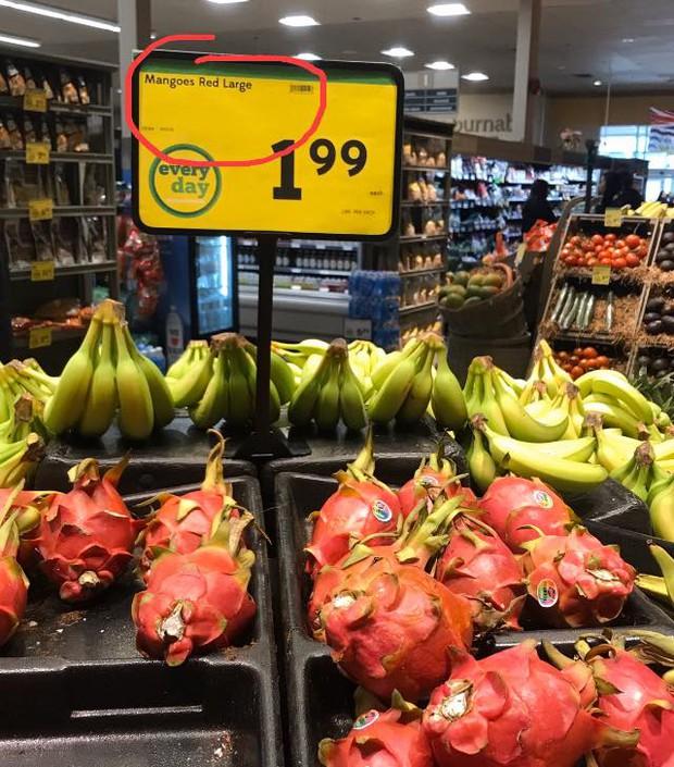 Thấy siêu thị để bảng giảm giá sốc, cô gái định mua nhưng lại quay xe 180 độ sau khi nhìn thấy dòng chữ này - Ảnh 6.