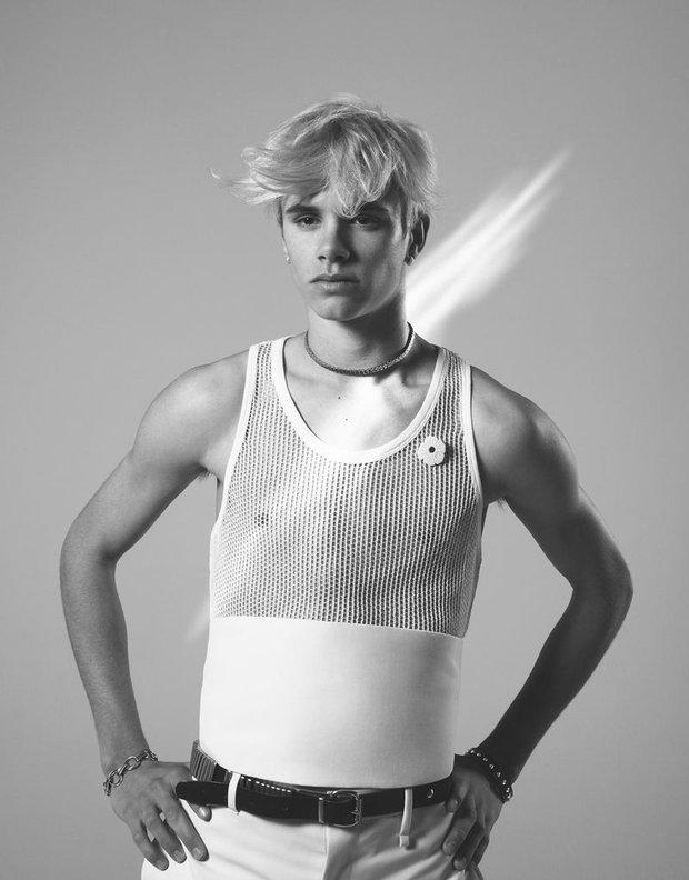 2 lần Romeo Beckham làm mẫu khuấy đảo MXH: 11 tuổi đã hóa mẫu nhí đầy khí chất cho nhà mốt lớn, 19 tuổi lột xác thành soái ca sexy - Ảnh 13.